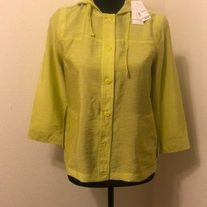 NWT  green button down top with pockets.